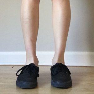 Vans Classic Unisex Low Top Skater Shoes